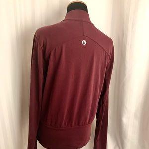 Lululemon zipper stretch jacket with sleeve detail